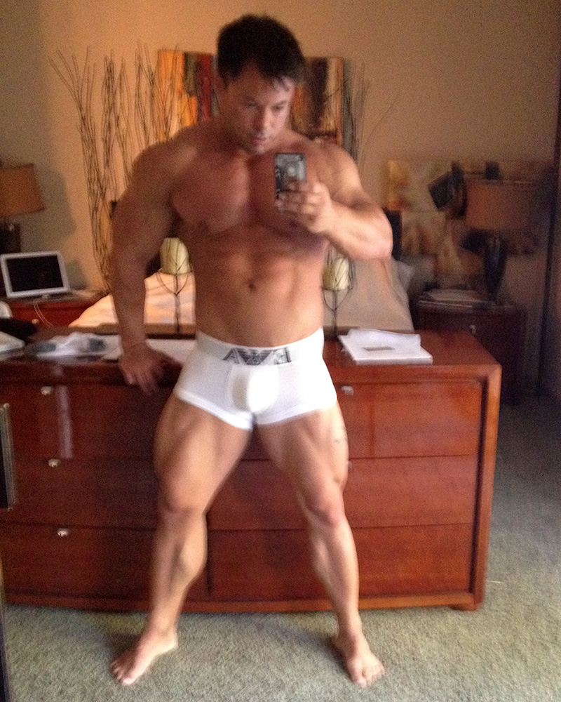 You Have To Work Those Legs - I Love Selfies!