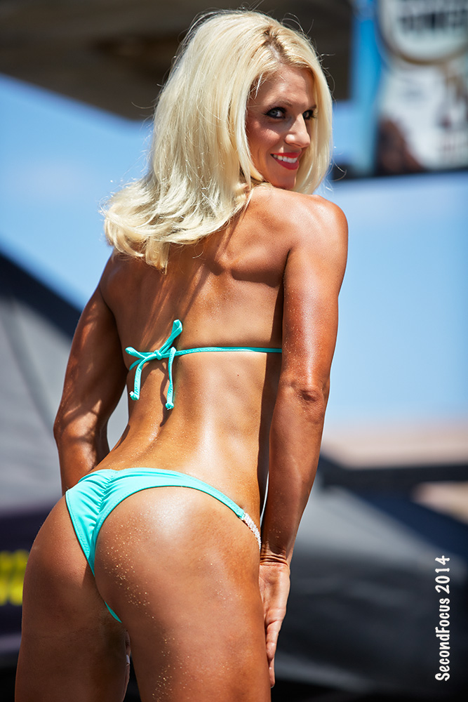 Hannah Gordon Etherson On Stage At Muscle Beach