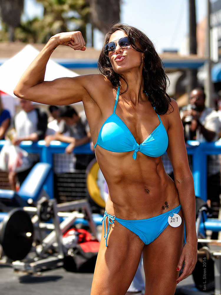 Maria Yvonne Bertrand at Muscle Beach