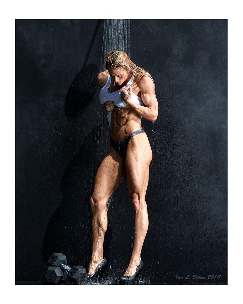 natalie_lyle-muscle_shower-24x30-borders-sm