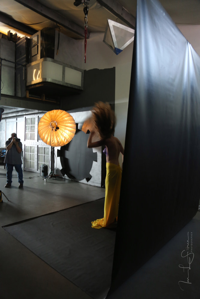 Nora Zainglein Studio Photo Shoot